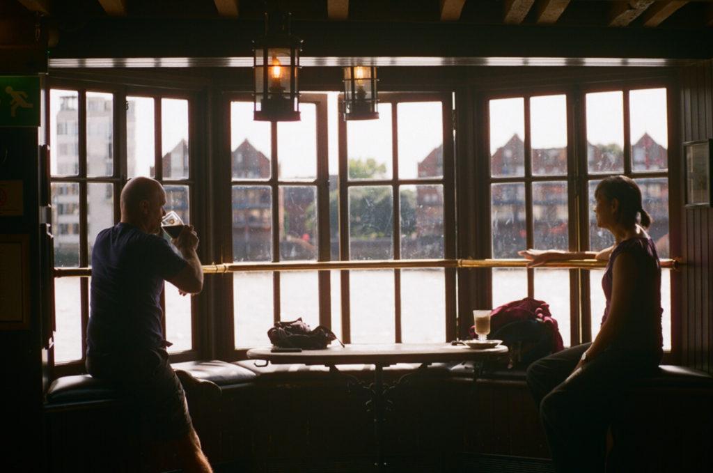 Captain Kidd, pub na beira do rio Tâmisa
